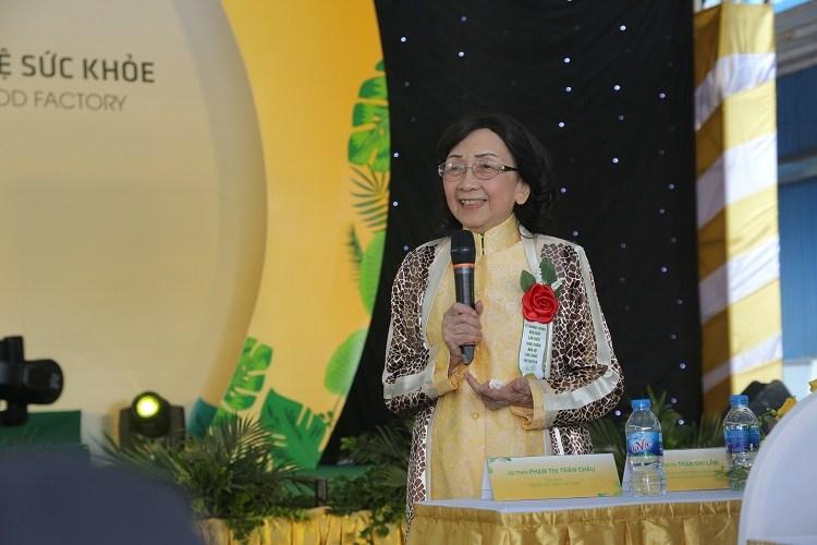 GS.TSKH Phạm Thị Trân Châu có những chia sẻ tại buổi lễ