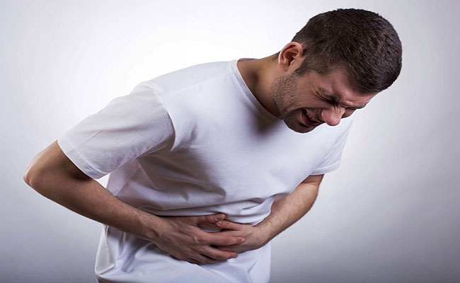 Người bệnh đau dạ dày dữ dội có thể do nhiều nguyên nhân