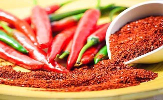 Người bệnh đau dạ dày nên tránh ăn đồ cay nóng