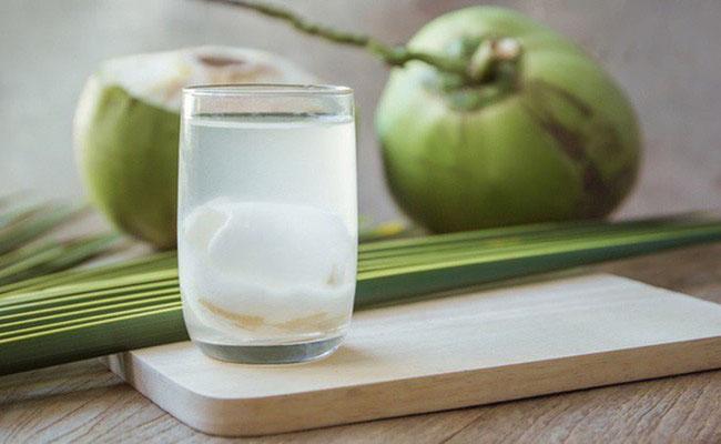 Nước dừa mang đến nhiều lợi ích cho người bị đau dạ dày