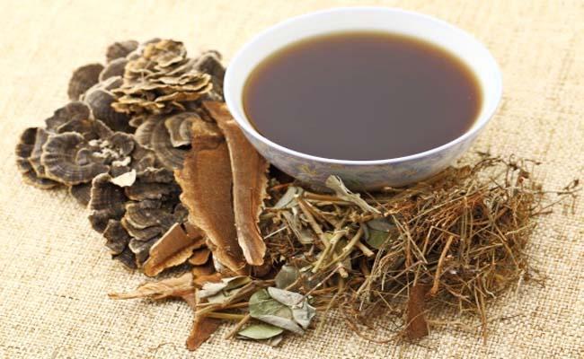Bài thuốc sắc từ thổ phục linh được người bệnh gout áp dụng phổ biến