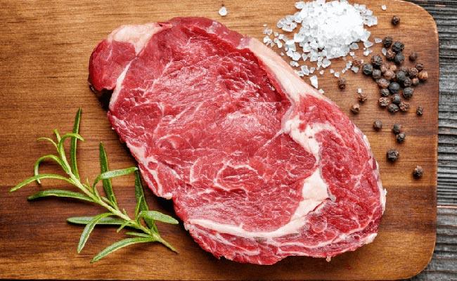 Bệnh gout có ăn được thịt bò không?