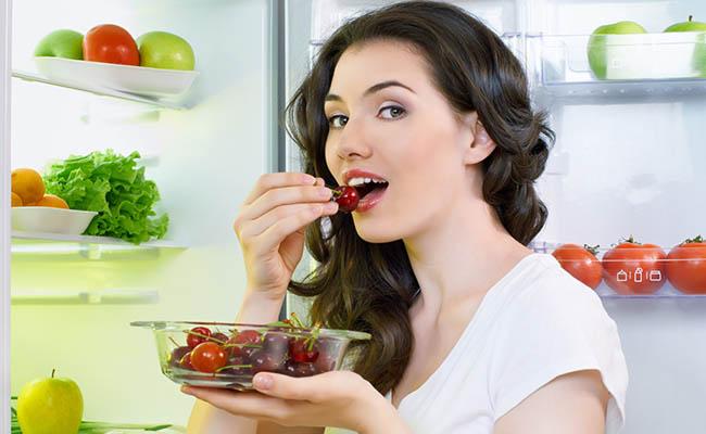 Người bị đau dạ dày nên chú ý chế độ ăn uống