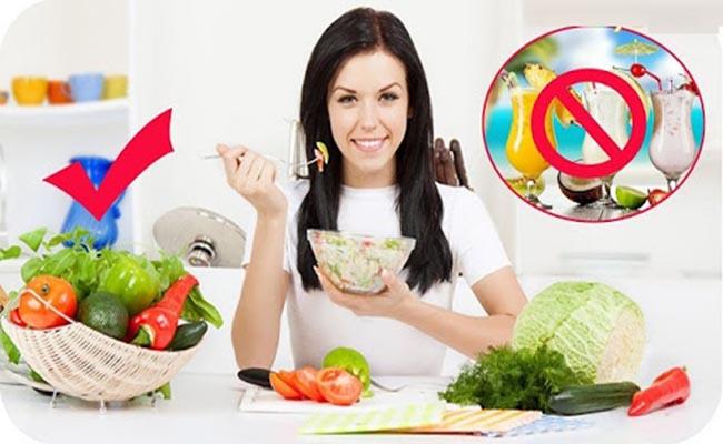 Người mắc bệnh tiểu đường nên đặc biệt lưu ý chế độ ăn uống và sinh hoạt