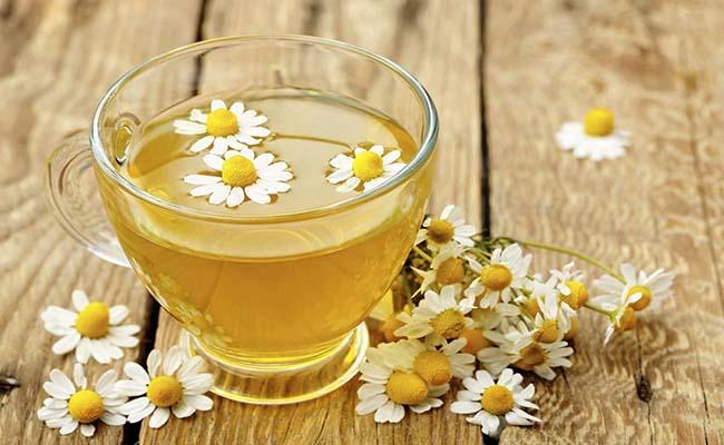 Trà hoa cúc giảm đau dạ dày hiệu quả