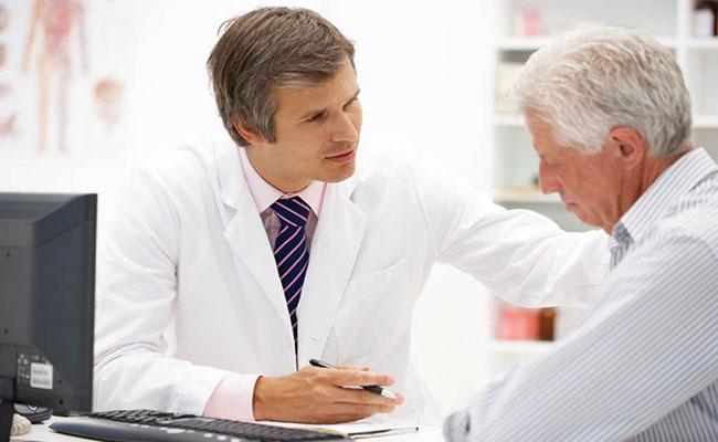 Người bệnh tiểu đường cần thường xuyên thăm khám sức khỏe