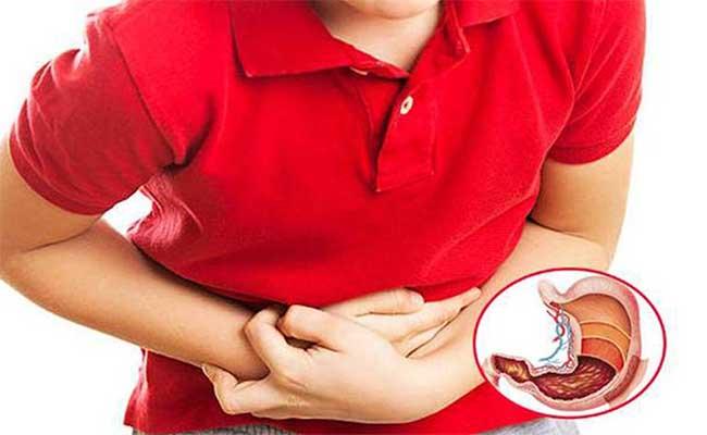 Đau dạ dày khi đói thường âm ỉ kéo dài