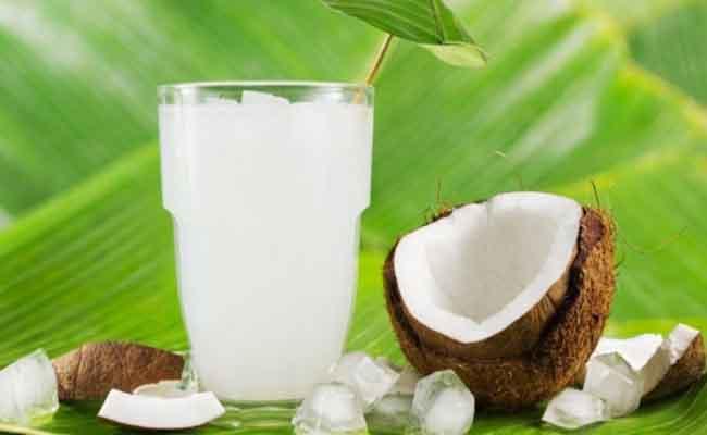 Đau dạ dày uống nước dừa được không?