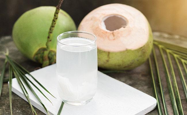 Nước dừa tốt cho người bệnh đau dạ dày