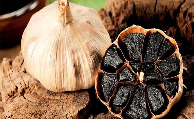 Tỏi đen và tỏi trắng có nhiều công dụng trị bệnh