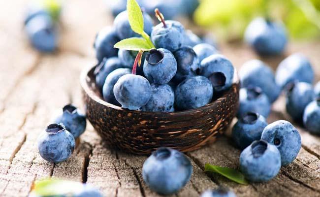Người bệnh tiểu đường có thể dùng trái việt quất thay cho dưa hấu