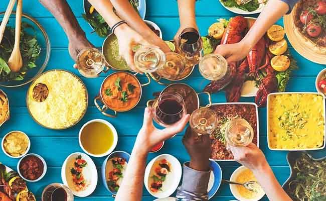Thói quen ăn uống sai lầm có thể làm lây nhiễm vi khuẩn HP