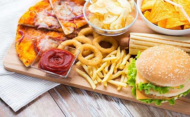 Những thực phẩm hại niêm mạc dạ dày người bệnh nên tránh xa