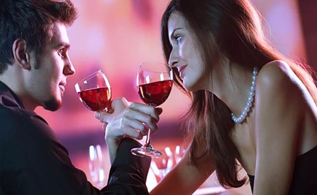 Rượu vang đỏ rất thích hợp với nam giới suy giảm chức năng sinh lý