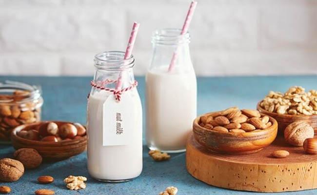 Người bệnh tiểu đường có thể uống các loại sữa hạt hoặc sữa tách béo