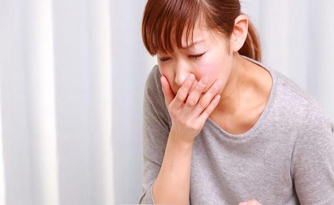 Trào ngược dạ dày gây ho đờm rất khó chịu