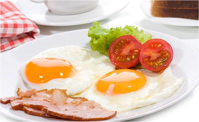 Người bệnh gút có ăn được trứng không