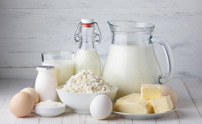 Người bệnh gút không nên uống sữa gì