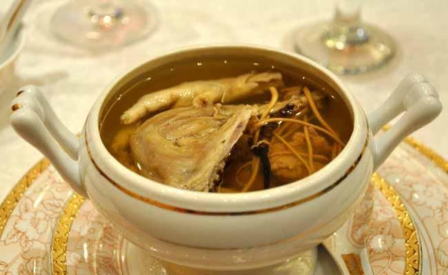 Có thể chế biến nhiều món ăn từ Đông trùng hạ thảo