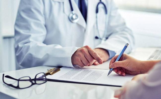 Người bệnh đau thần kinh tọa nên tìm gặp bác sĩ và điều trị dứt điểm