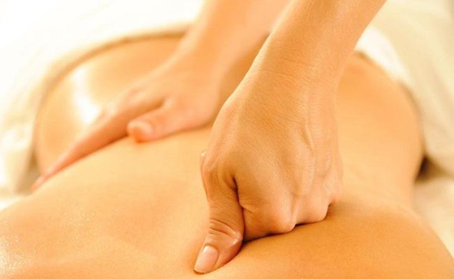Massage giúp giảm đau thần kinh tọa