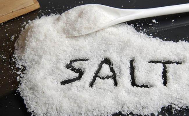 Đồ ăn nhiều muối không tốt cho người bệnh đau thần kinh tọa
